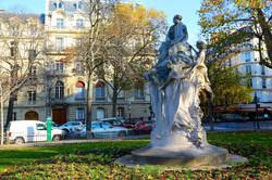 le monument à Alexandre Dumas fils