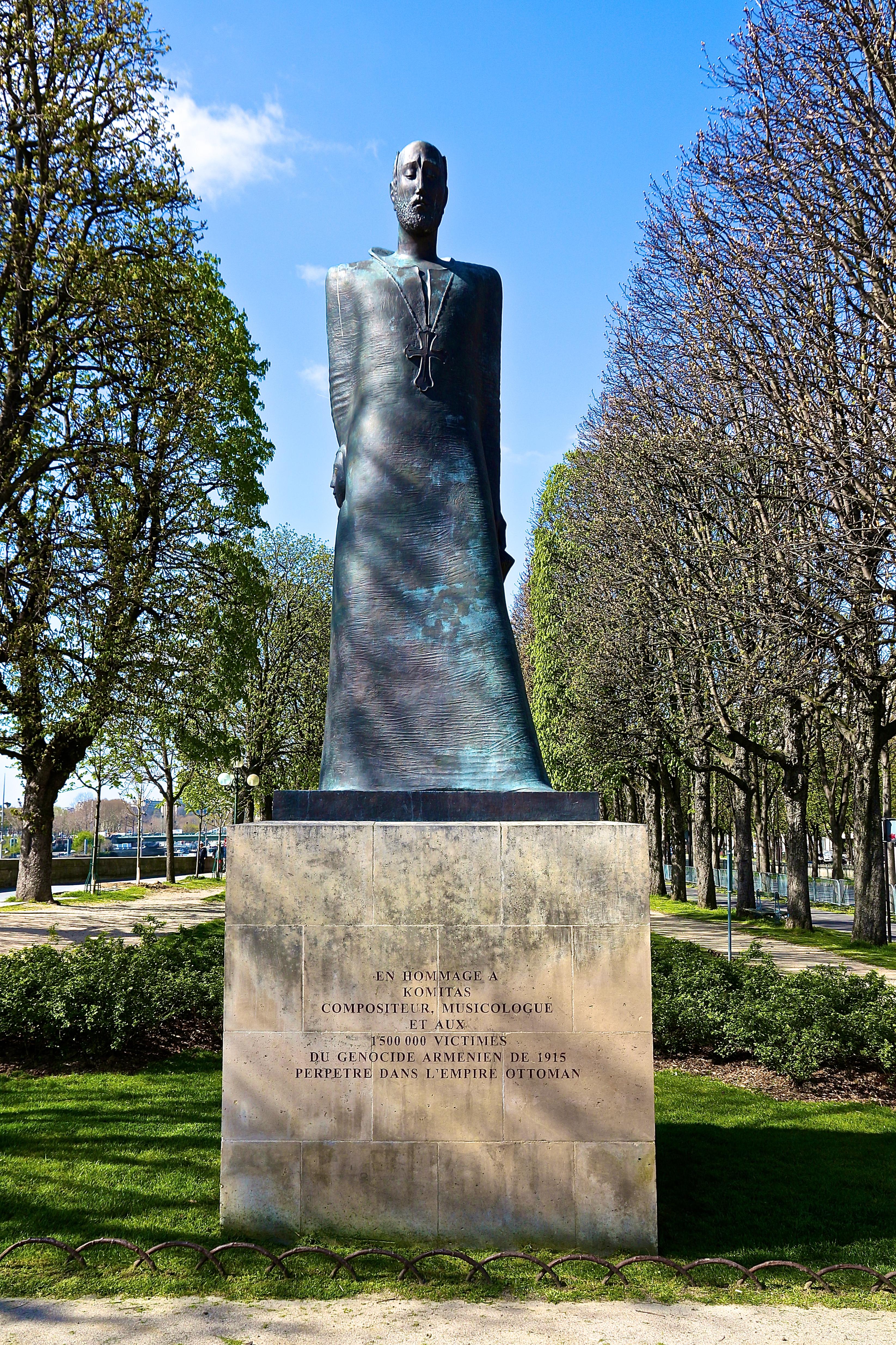 le monument à Komitas