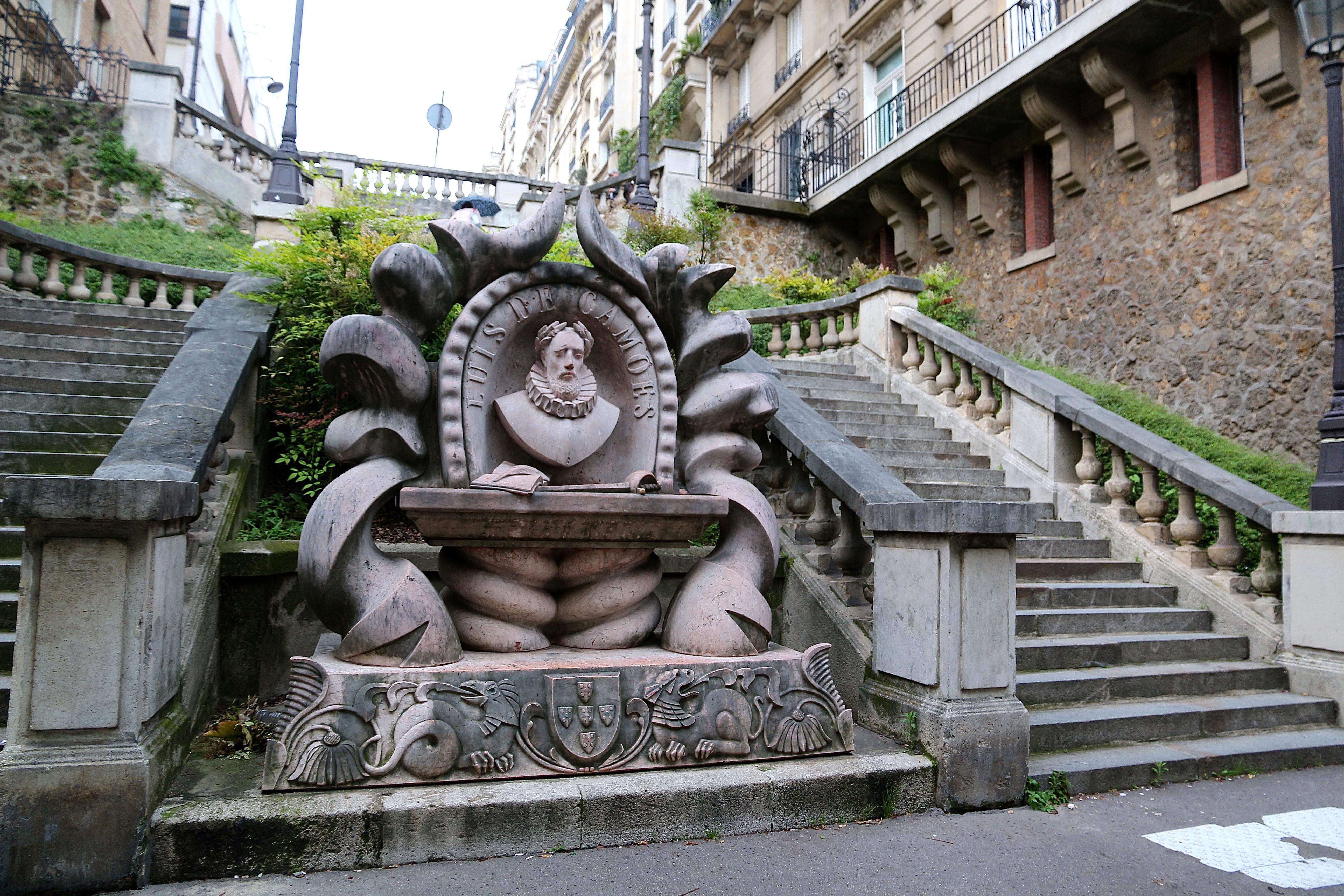 le monument à Luis Vaz de Camoes