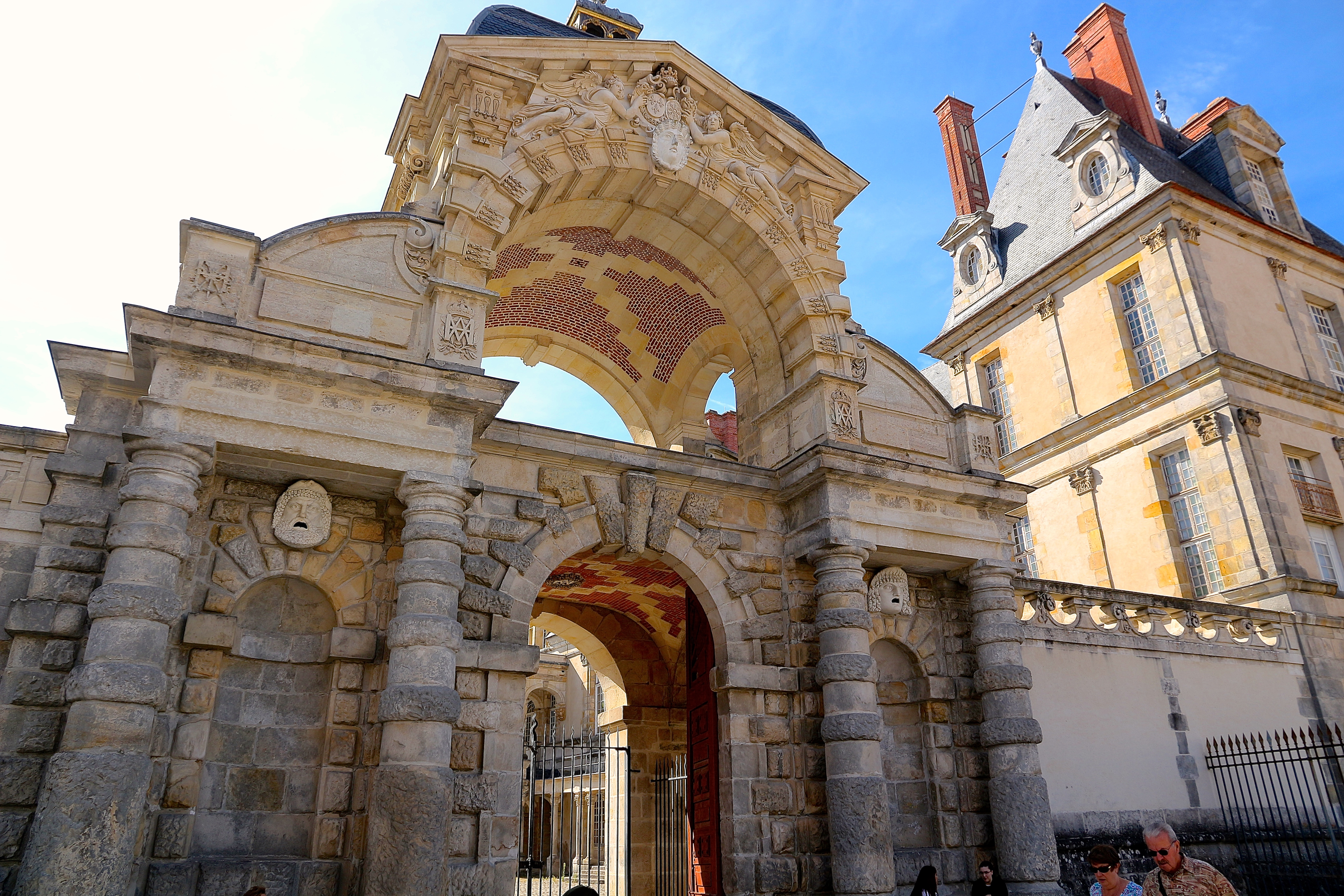 la Porte du Baptistère