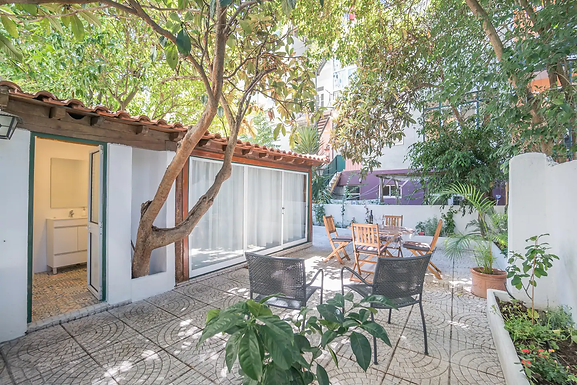 Spacious Apartment w/ Private Garden