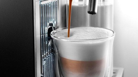 Nespresso EN750.MB Lattissima Pro by Delonghi Coffee Machine - Silver