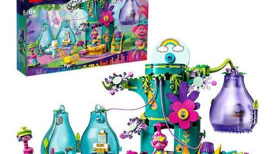 LEGO Trolls 41255 World Tour Pop Village Celebration Treehouse