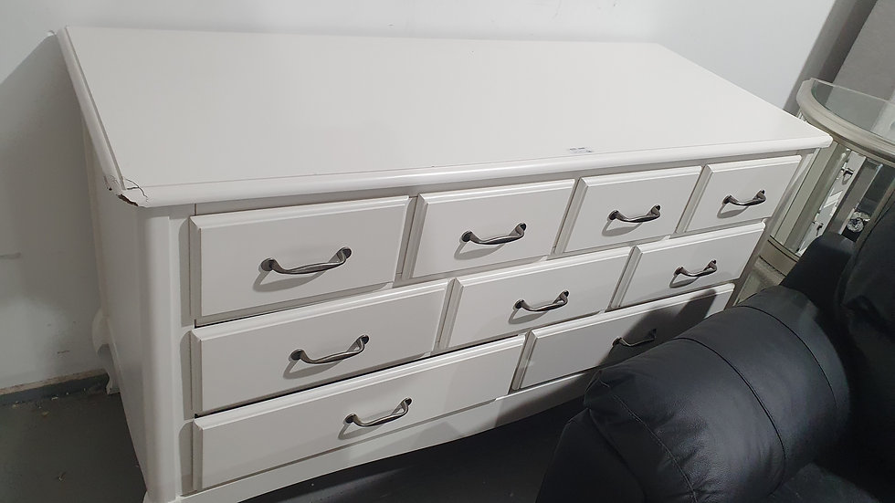 Olivia Wilde 9 Drawer Chest of Drawers