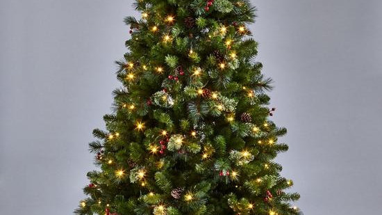 6ft Brookfield Pre-lit Christmas Tree with Pinecones & Berries