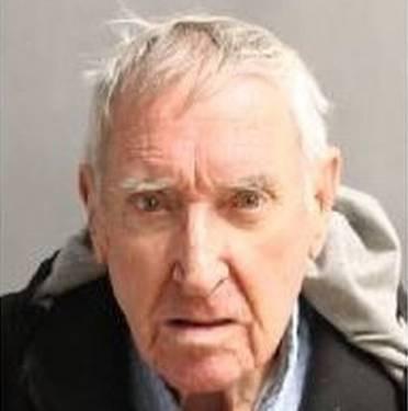 Earl Molyneaux, 79, arrestado el lunes 8 de julio de 2019