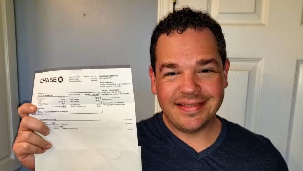 Paul Adamson, que se muestra en una fotografía, estaba pagando sus facturas en línea la semana pasada cuando se encontró con algo curioso, La prensa canadiense