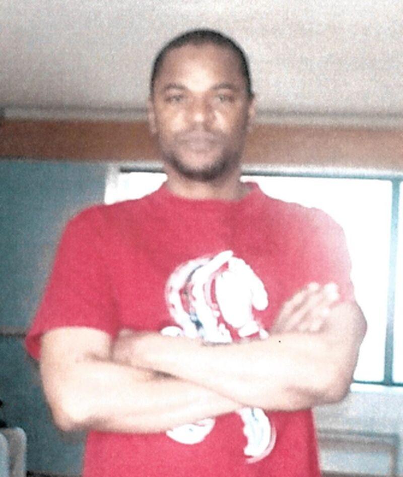 Hombre desaparecido,  Queen St. W. y Ossington Ave.,  Anthony Murdock, 45