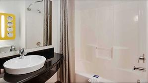 m6_4421_bathroom16.jpg