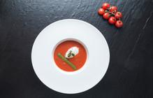 Soupe de Tomate au Pesto et Faisselle