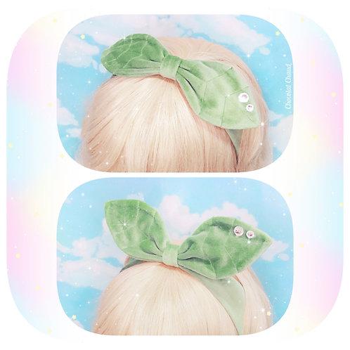 Leafy headband
