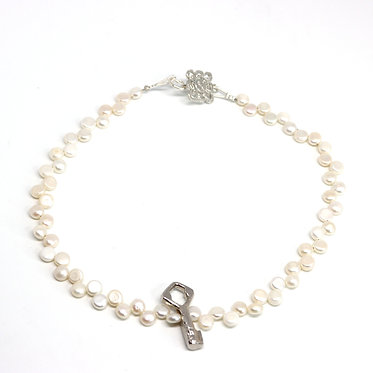 Argentinian Key and White Pearl Necklace