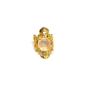 Argentinian Lace Ring and Pink Gemstone