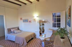 Bedroom V  3 big single beds, ceiling fa