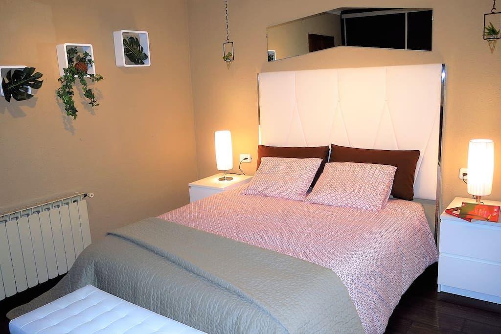 Bedroom II 1 double bed, wardrobe, mirror.