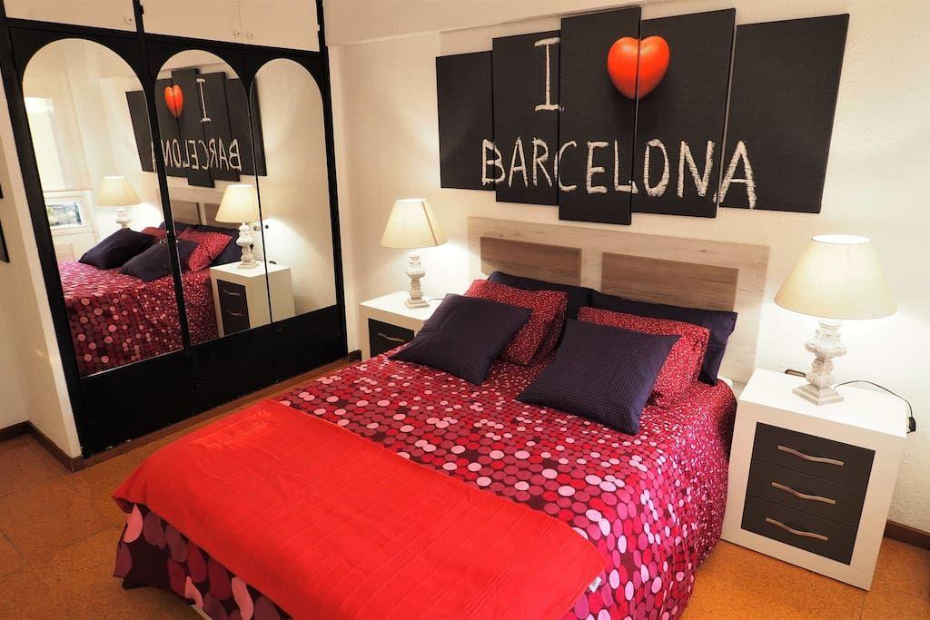 Bedroom I: 1 double bed, en-suite, wardrobe