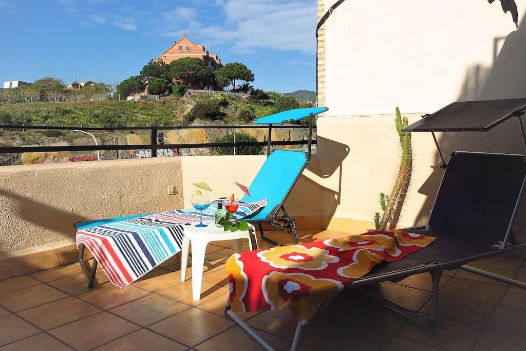 Sun terrace, sun loungers.