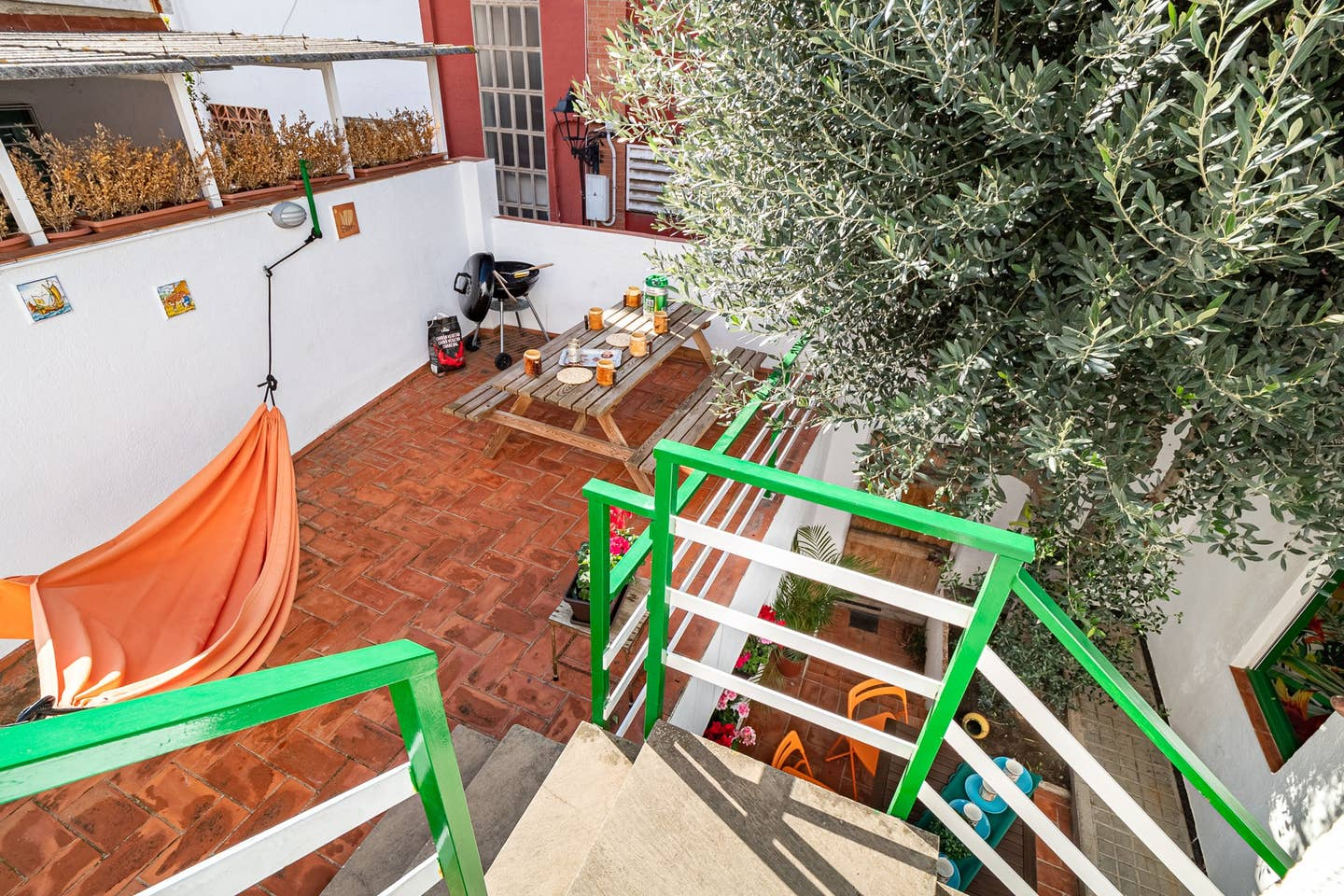 Terrace with picnic table and barbec