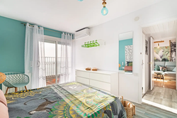Bedroom I: 1 double bed (queen-size), balcony, sea view
