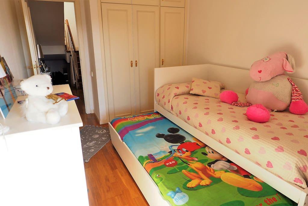 Bedroom II   2 single beds for children