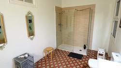 Bathroom: shower, WC, washing machine, h