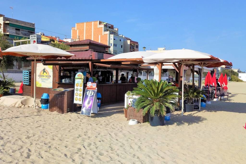 Beach bar right in front of the apartmen
