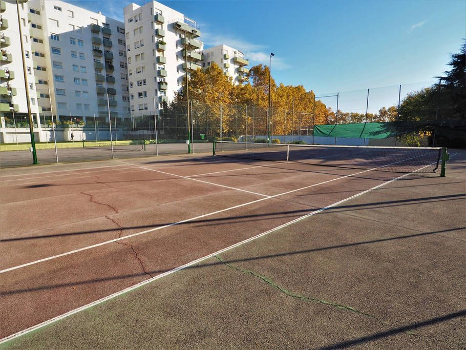 tennis courts for free