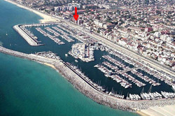 red arrow shows the apartment