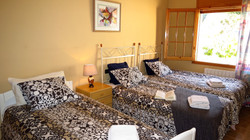 Bedroom I with 3 single beds