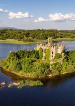 mac-dermott-s-castle-lough-key-irlandiia