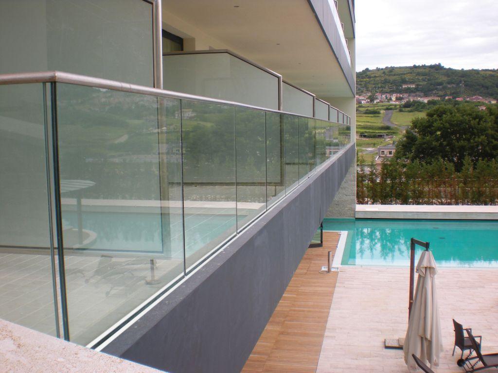 garde-corps-en-verre-pour-balcon-image-52081-grande