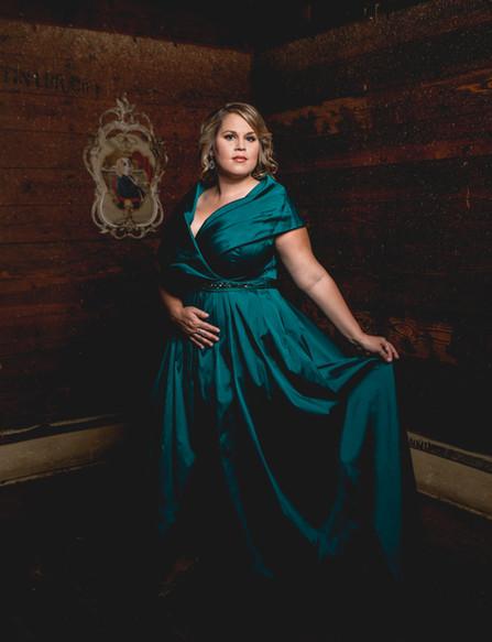 Carolyn Hoehle, Soprano