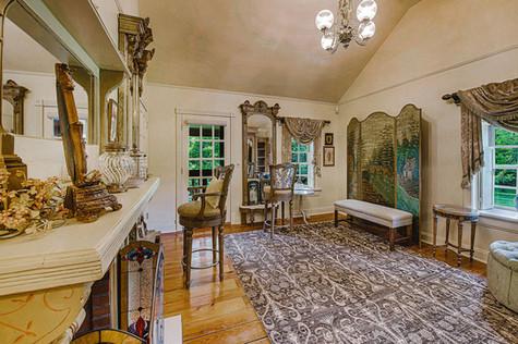Amelia Earhart Bridal Suite Moonstone Manor