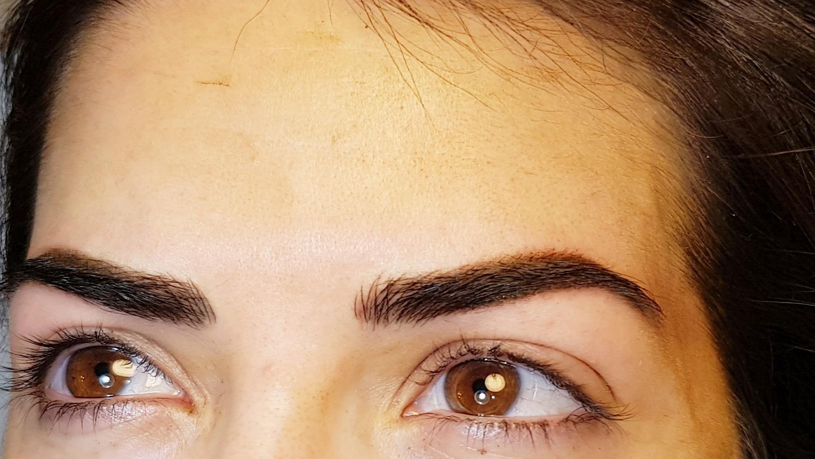 איפור קבוע שיטת שערה משולב עם הצללת