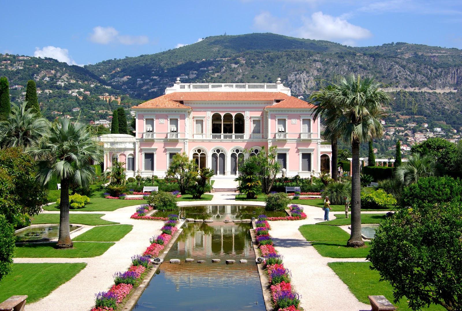 Villa_Ephrussi_de_Rothschild_BW_2011-06-