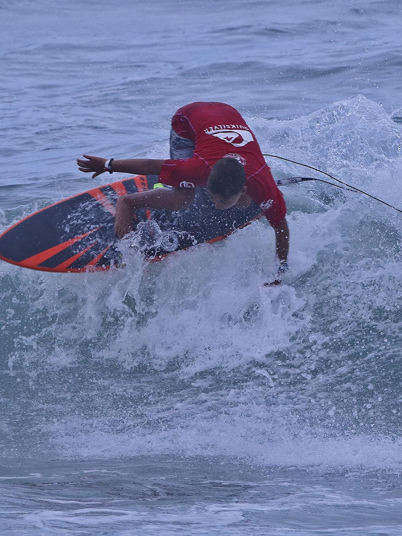 Kalani Robles SPSurf Categorias de Base