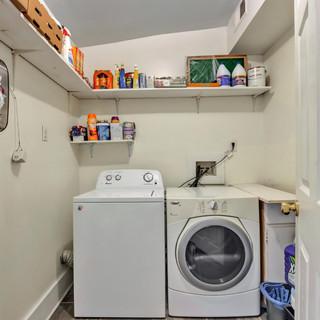 25-Laundry Room.jpg