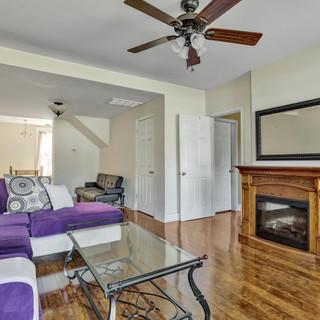 04-Living Room.jpg