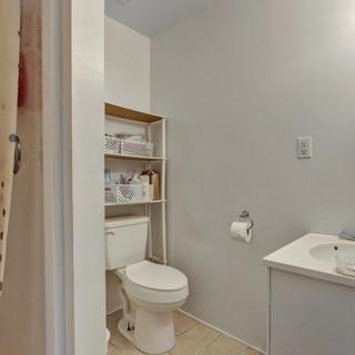 21-Primary Bathroom.jpg