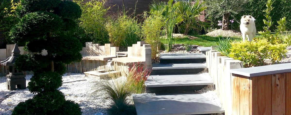 Jardin zen et escalier