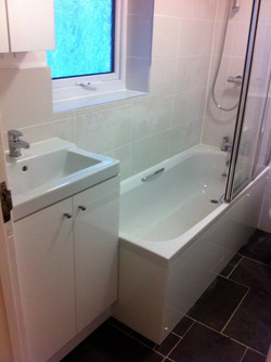 Modern Bathroom to be Enjoyed