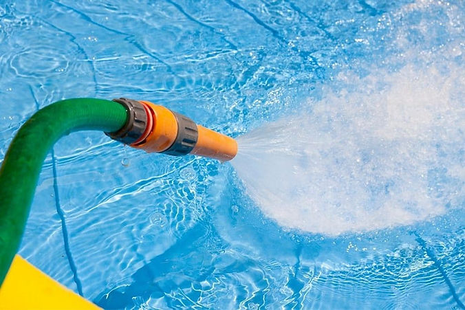 pool-fuellen-canva-2-1024x683.jpg