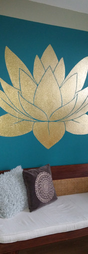 Wandschildering gouden lotus
