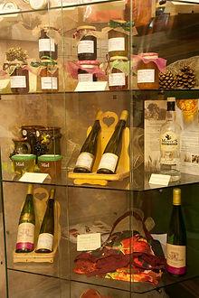 Hotel-Wizenberg-vitrine-produits-locaux