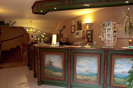Hotel-Winzenberg-réception