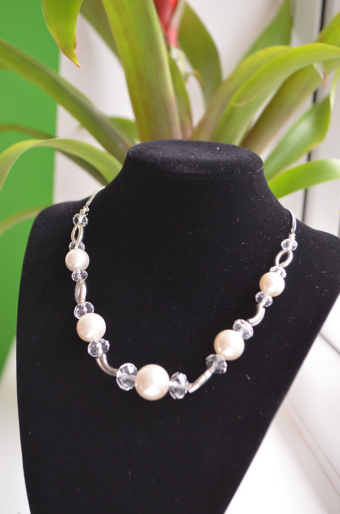FN107 Necklace with matching bracelet