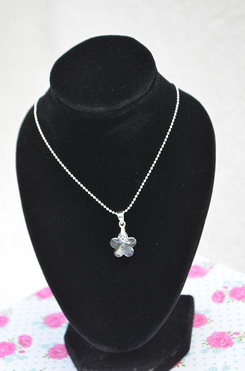 SW51 Swarovski Flower pendant Necklace