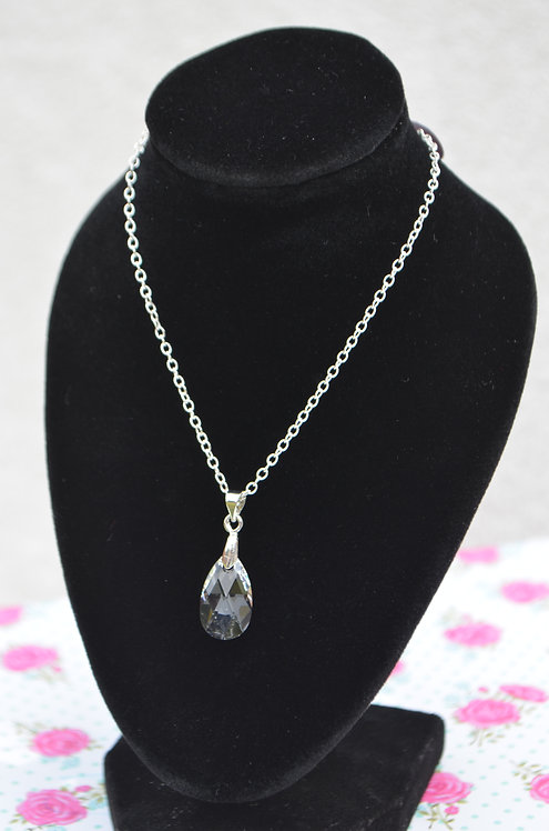 SW82 Crystal Swarovski Drop pendant 16mm