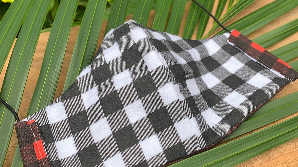 Cloth Face Mask in Checkered