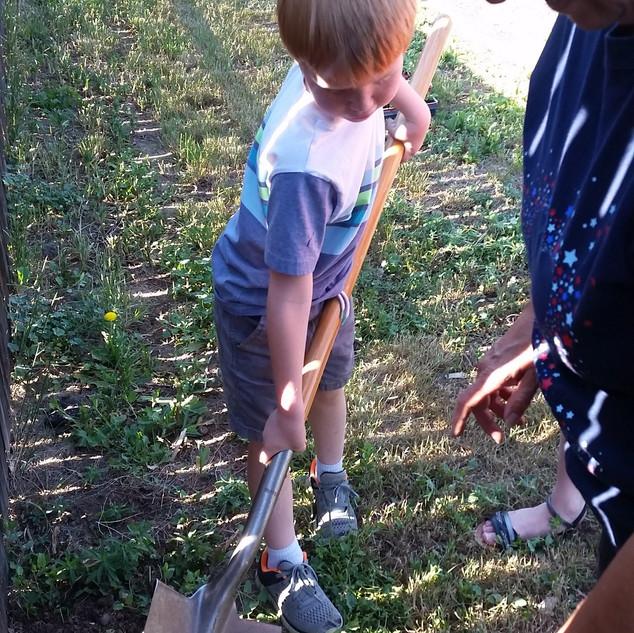 zz18_POP_Childrens Garden_01_May 18.jpg